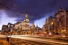 Gran Via in Madrid, Spanje. https://www.hotelkamerveiling.nl/hotels/spanje/hotel-madrid.html #madrid #spanje