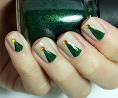 The Nail Network: TDOCNAS: Day 11: Minimalist Christmas Tree Nail Art