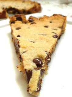 Grain-Free, Vegan Chocolate Chip Cookie Cake using Almond Flour. Yum! This is yummy and easy.