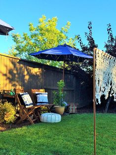 Check out the DIY Macrame Badminton Net next to the lovely backyard lounging area-- by Rayan Turner || @thedesconf