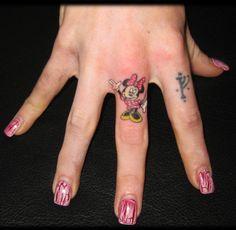 Cutest hand tattoo EVER! #Minnie #MinnieMouse #Disney #tattoo