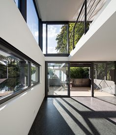 Secluded Floating House In Hamburg Germany (3)