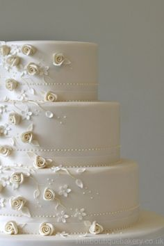 Cake Decorating Classes Tunbridge Wells : Wedding Cakes on Pinterest 146 Pins