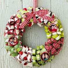 Curl Paper to Make a Christmas Wreath