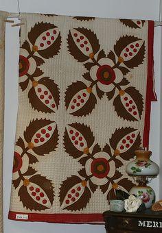 Pine Cone Quilt   Antique maker unknown  Pattern unknown