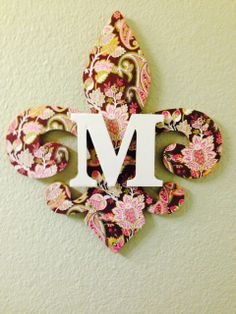 """Decoupaged initial """"M"""" on fleur de lis"""