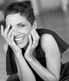 Halle Berry Pixie Cuts, Short Haircuts, Hall Berri, Shorts, Pixi Cut, Hairstyl, Hair Style, Halle Berry, Berries