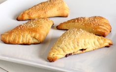 nutella turnovers (using pillsbury crescent rolls for super easy prep)