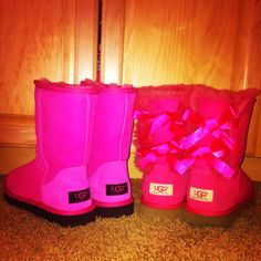 I <3 PINK MY PINK UGGS!