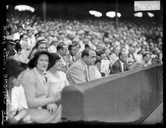 Al Capone at a baseball game at Comiskey Park, 1931. Before the end of the baseball season, Capone would be indicted on charges of tax evasion and failure to file tax returns. DN-0096548 #chicago #history #crime #alcapone #comiskey