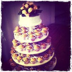 Chocotorta cupcake tower