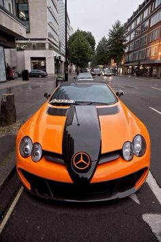 Une @Mercedes-Benz USA spécial Halloween ?  Voir d'autre tuning Halloween : http://blog.auto-selection.com/pimp-ride-special-halloween-21405/