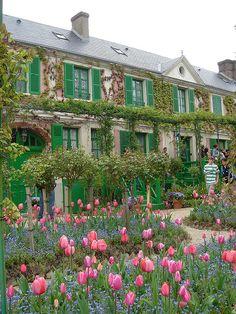 monet garden, houses, claud monet, beautiful places in france, claude monet, art, giverni, monet's house, monet hous