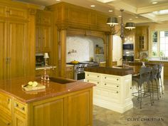 Clive Christian kitchen wow! pic 1 of 3