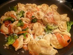 Tuscan Tortellini, a recipe everyone will enjoy, even picky eaters! ohsweetbasil.com
