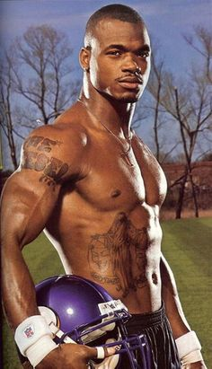 Yummmm.... Adrian Peterson.... yes please!!