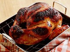 We're getting a lot of questions about how to brine a turkey. Watch this video for easy tips. #ThanksgivingLive