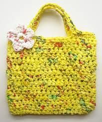 plarn tote with flower applique