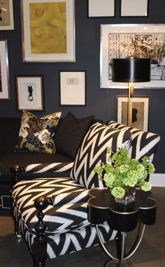 wall colors, modern living rooms, paint colors, bee inspir, benjamin moore, accent chairs, chevron chair, black, chevron stripes