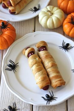 Mummy Hot Dogs - These hot dogs only requires 3 ingredients: crescent rolls, hot dogs and mustard.