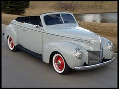 Amazingly beautiful car from the late 30s. First '39 Merc convertible I've seen.
