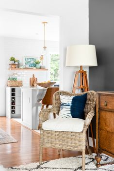 Simple Light & Bright Summer Decorating Ideas