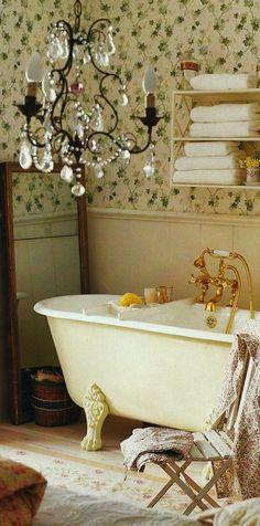 ❤ Pretty cottage bath...