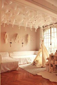 Moozlehome.com MIDI teepee tent in Paris apartment, taken from instagram @lilibergmann