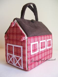 Tutorial for a Take- Along Mini Toy Barn. What a cute gift to make for a Birthday or Christmas gift!
