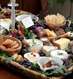 Cheese and Cracker Display | Tastefoodblog holiday, wine time, buffet, basket, display, food trays, cheese platters, cheese boards, parti