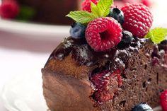 Gooey Chocolate Raspberry Cake  #glutenfree #sugarfree