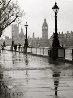 favorit place, england, rainy london, london photography, raini london, travel, black, london rain, thing