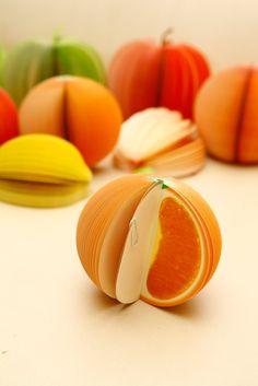 Anotadores con forma de fruta, 150 hojas. Manzana, pera, sandía, durazno, granada y naranja. $15 (pesos argentinos) CaprichosElementales@gmail.com