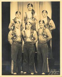 The Maschinos, 1935