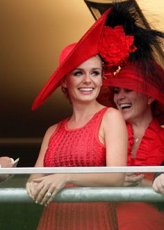 Lady in red at Royal Ascot #VDJfashion #racefashion #hat
