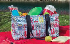 Love this fabulous Large Utility Tote...especially this exclusive FunFlops pattern!
