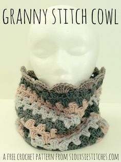 Granny Stitch Cowl - a free crochet pattern from SiouxsieStitches.com