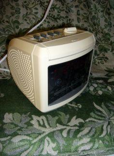 Vintage GE Clock Radio w Battery Back up Snooze by SusOriginals, $6.00