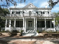 The Goodwood Plantation in Tallahassee has my heart!