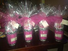 Mary Kay gift ideas GIVE A GIFT CERTIFICATE for your friends and family: Products and/or Makeup Application www.marykay.ca/loukia