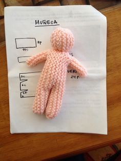 Doll for Beginners - Free Knitting Pattern here: http://abrazables
