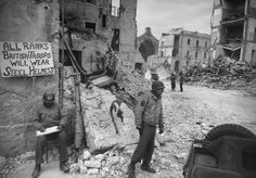 Not published in LIFE. American troops, Battle of Anzio, 1944.   Read more: Anzio: Rare and Classic World War II Photos From Italy | LIFE.com http://life.time.com/history/anzio-unpublished-photos-italian-campaign-world-war-ii/#ixzz2samKNLIE