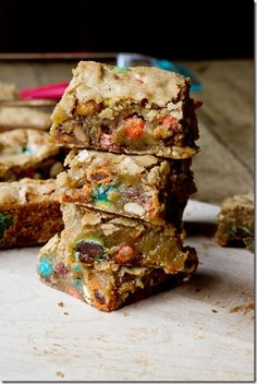 Sweet and Salty Candy Bar Blondies - you will die over these