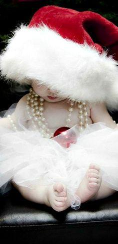 Cutest baby Christmas pic idea I love it!!! ❤️