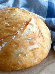Easy Homemade Artisan Bread....... So easy even I can make it and it's delicious