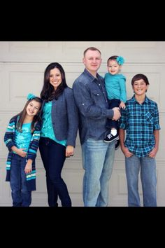 Love the colors for Family pictures