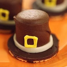 Marshmallow Pilgrim Hat Treats: Crunchy and sweet, these creations are a great way to cap a Thanksgiving classroom party.