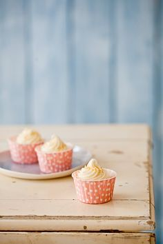 Lemon Salt Lemon Cupcakes topped with buttercream frosting. The salt & sweet combination makes really tasty cupcakes! #cupcake #recipe