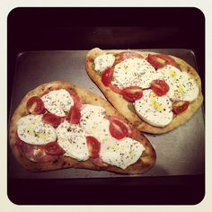flat bread, fun food, naan bread, pizzas, bread bite, breads, famili food, nan bread pizza