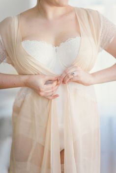 Romantic boudoir inspiration shoot | Kate Ignatowski Photography | see more on: http://burnettsboards.com/2014/07/curvy-girls-bridal-trousseau/